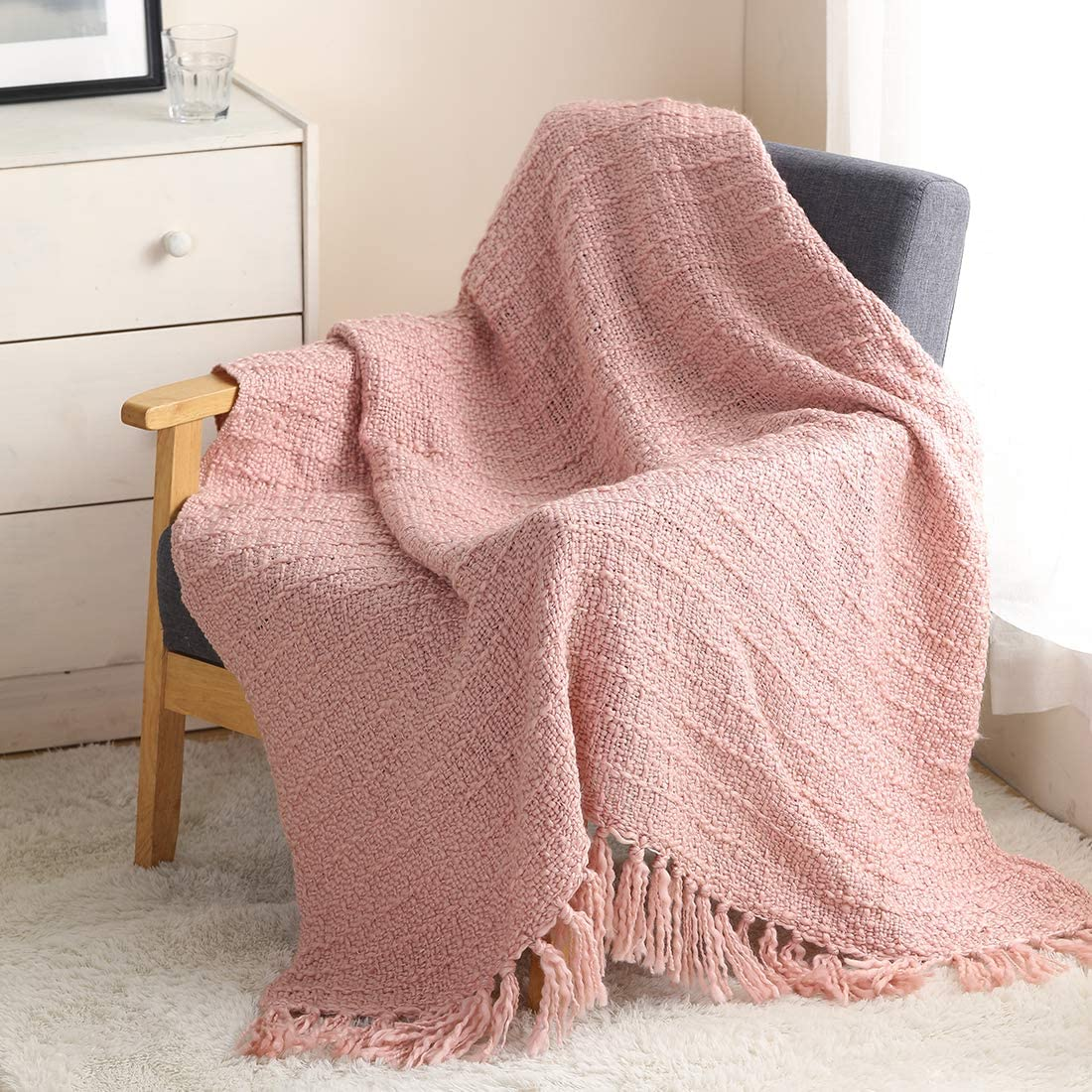 ZIGGUO Thick Chunky Pink Knitted Throw Blanket for Couch Chair Sofa Bed, Chic Boho Style Textured Basket Weave Pattern Blanket with Decorative Fringe, 50