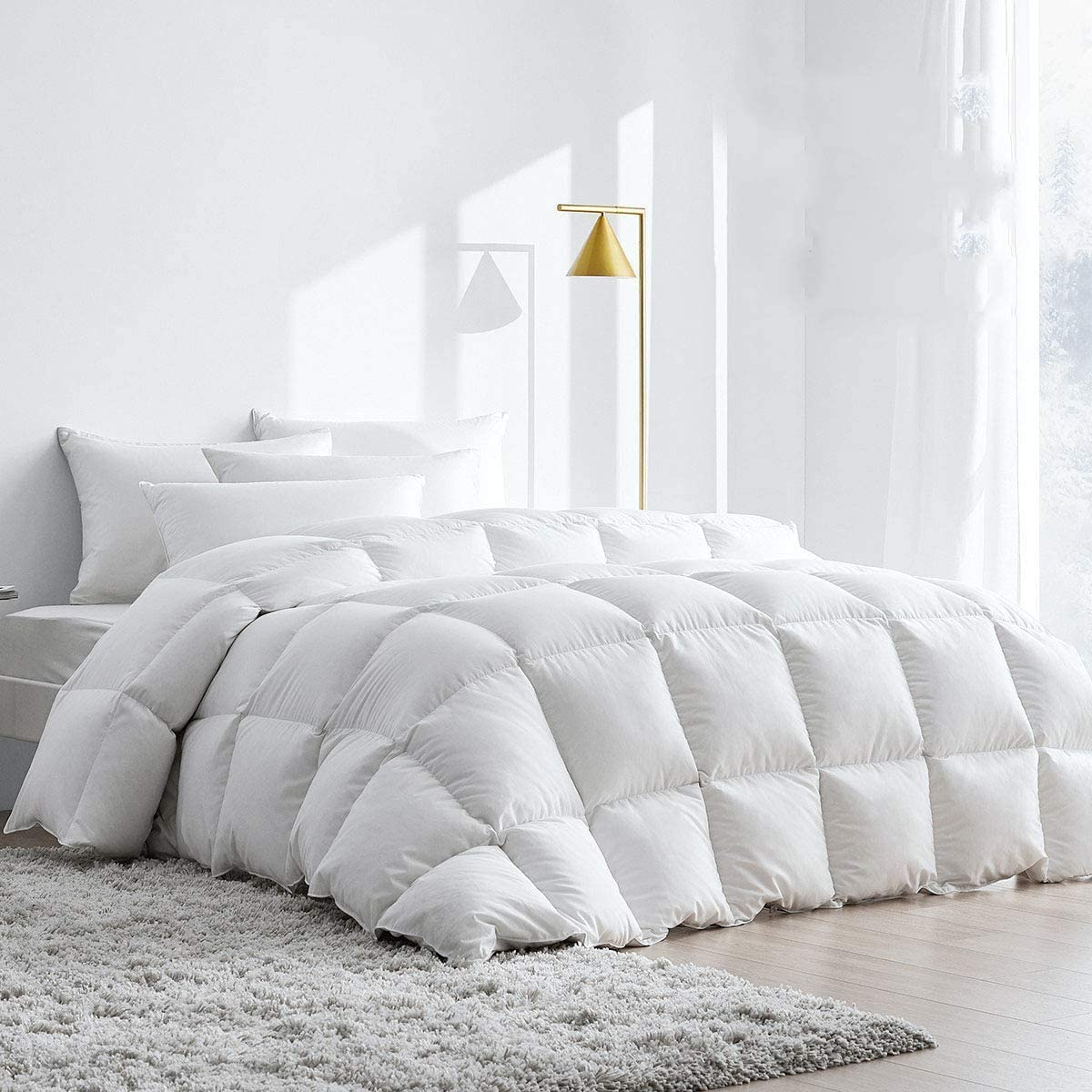 XCW 5% Bamboo Fiber Blend Comforter,Ultra Soft Brushed Microfiber, Quilt with Corner Tab for All Season Hypoallergenic Plush Microfiber Comforter Duvet Insert- Queen 90 by 90 Inch : Home & Kitchen