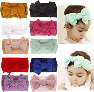 newborn head bows