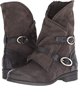 pretty nice 01a8c 60935 Women s Boots   Shoes   6PM