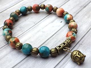 stile tibetano braccialetto vintage perle di giada bianca tinto marrone, arancione e blu, perline metalliche e charms a fo...