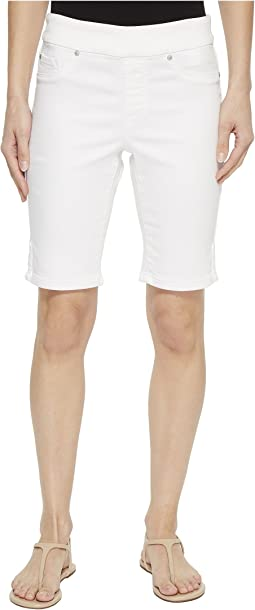 "10"" Knit Denim Pull-On Shorts with Leg Detail in White"