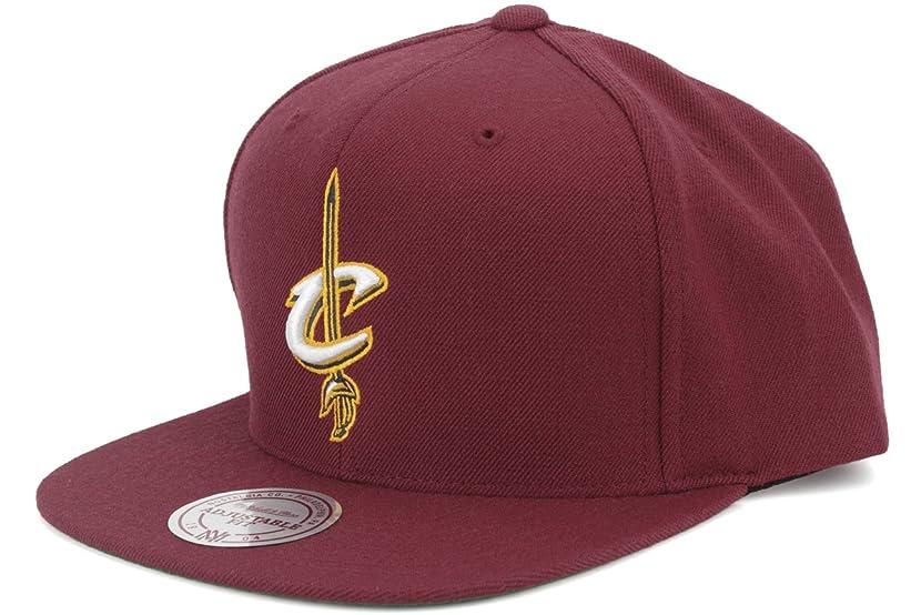 Mitchell & Ness Cleveland Cavaliers Basic Logo Snapback Hat