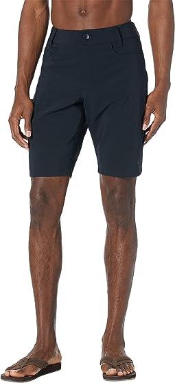 """Base Line 21"""" Hybrid Shorts"""
