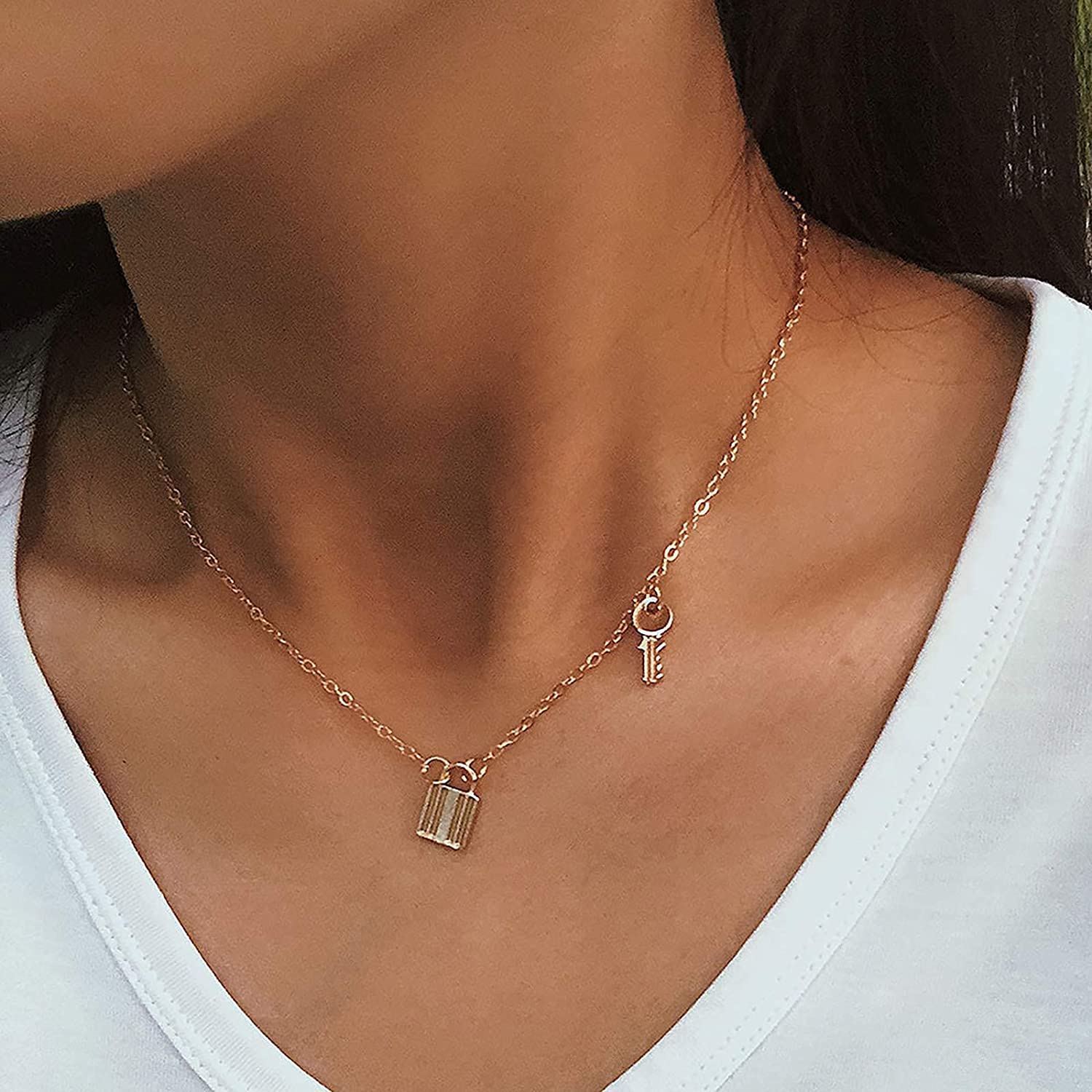 KINGVON Personalized Simple Temperament Lock Necklace, Retro Creative Lock-Shaped Key Combination Clavicle Chain,for Women and Girl,Gold