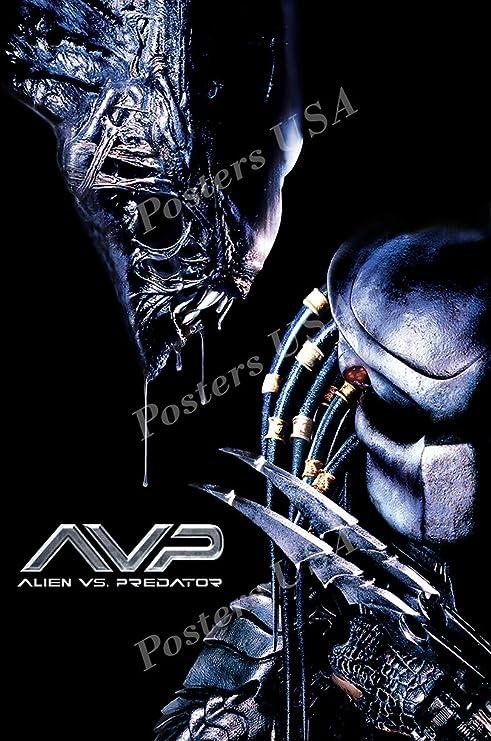 Amazon Com Premiumprints Mov739 Póster De Película Alien Vs Predator Con Acabado Brillante Fabricado En Estados Unidos Home Kitchen