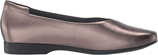 Pebble Metallic Leather