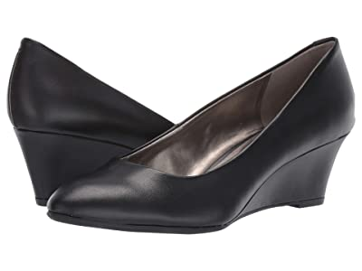 Bandolino Fayola Wedge Heel (Black Leather) Women