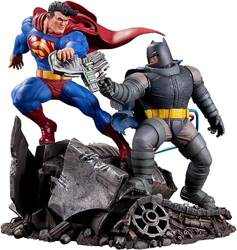 Envío 100% gratuito DC Collectibles Collectibles Collectibles The Dark Knight Returns  Superman Vs. Batman Statue  Venta barata