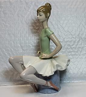 Lladro Figurine, 1360 Laura, Ballerina sitting on stool