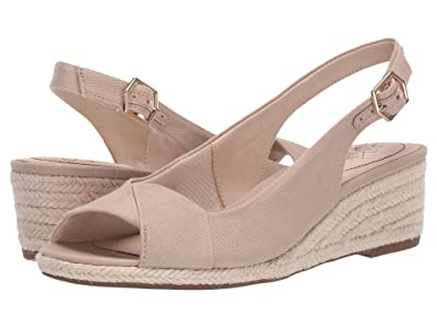 LifeStride Socialite (Tender Taupe Soft Canvas) Women