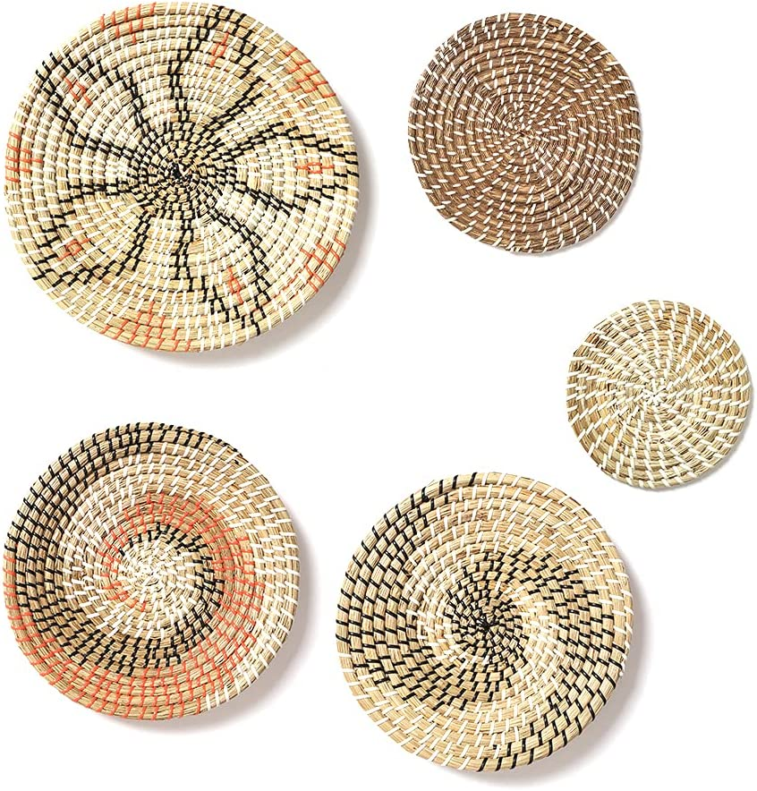 WOJOGO Wall Basket Decor Set of 5 Boho Hanging Woven Baskets Wall Decor, Flat Round Natural Seagrass Decorative Basket Wall Art for Living Room, Bedroom, Kitchen