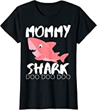 Womens Mommy Shark Shirt Christmas Gift Idea 2019 For Mom Wife Xmas T-Shirt