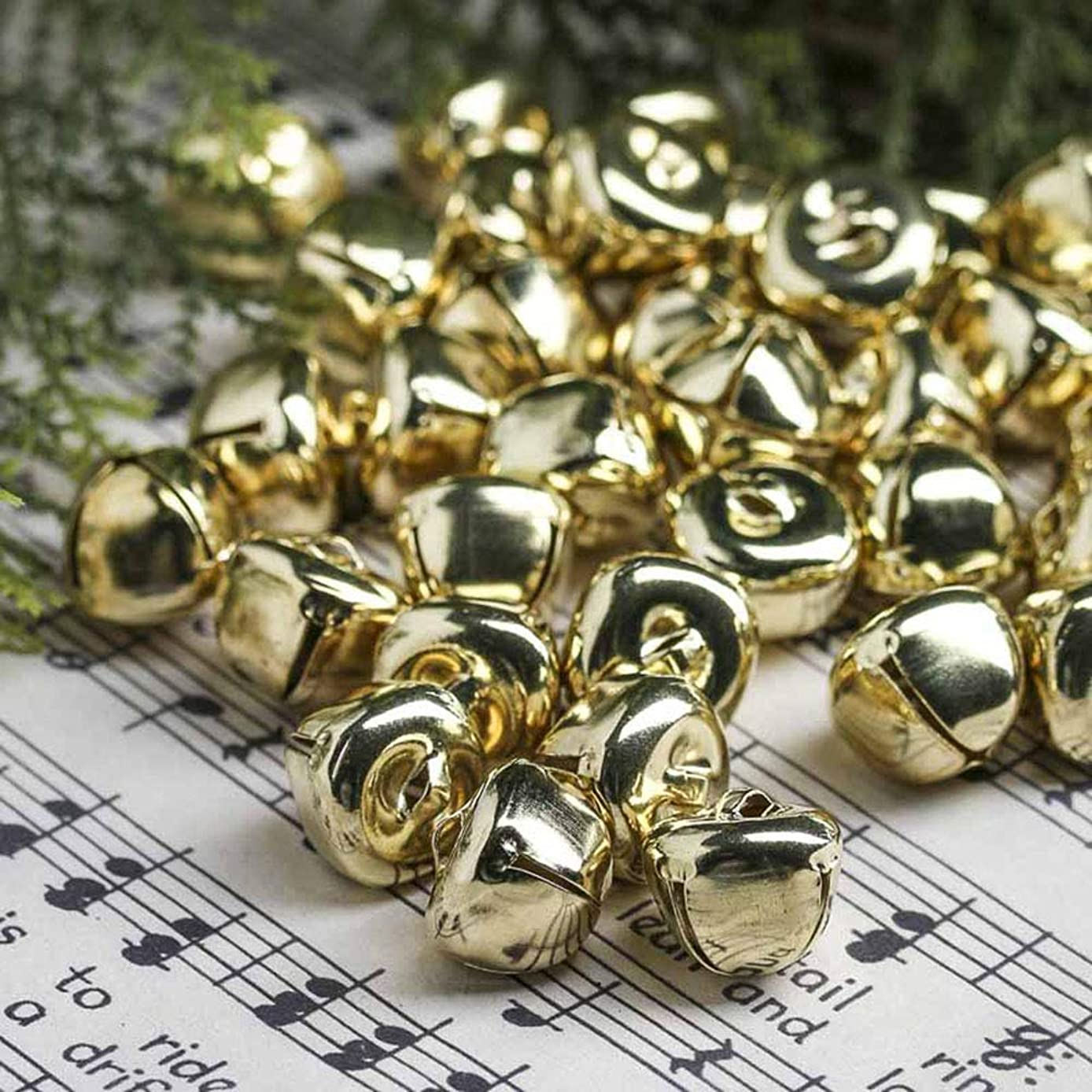 Louise Maelys Jingle Bells 1 Inch Gold, Christmas Craft Bells Party Christmas Supplies with 20m Red Color (100/Pack)