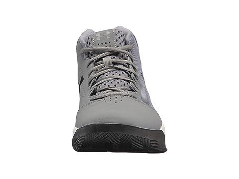 Sous Les Chaussures De Basket-ball Armure 18 Heures A69HAZH