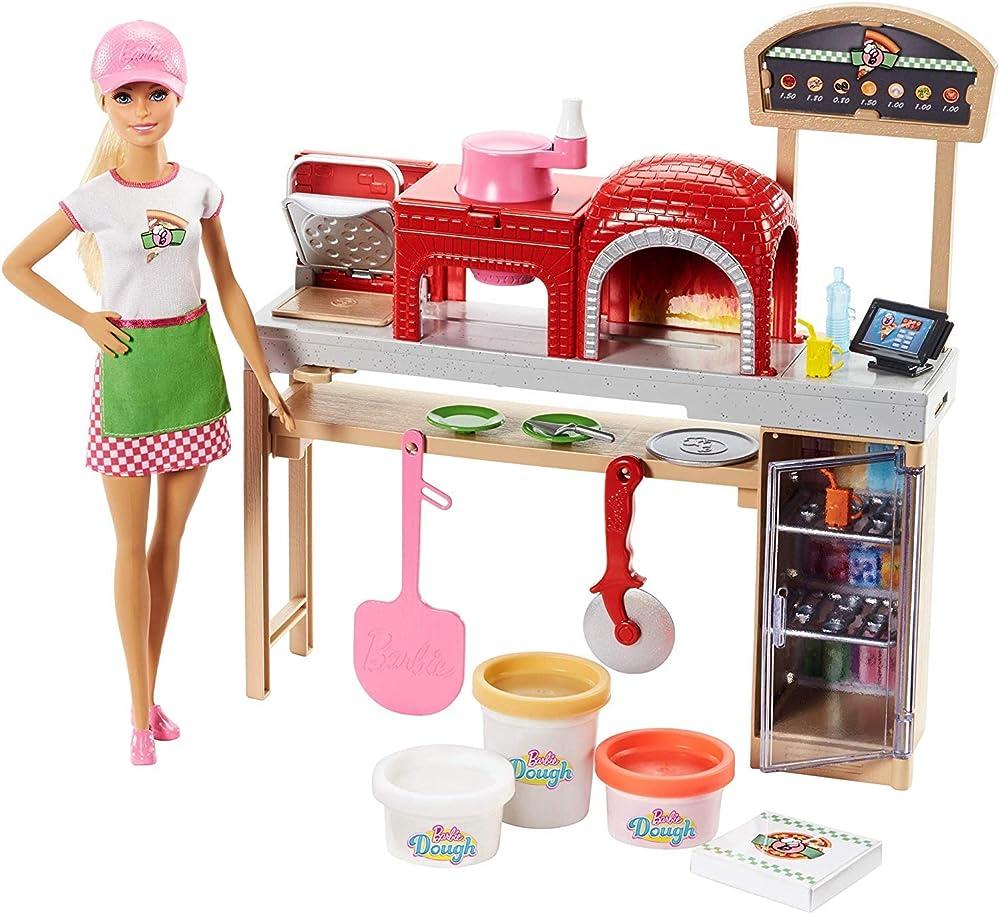 Barbie la pizzeria con bambola, tavolo per le pizze, forno e pasta da modellare FHR09