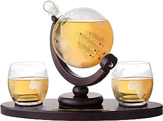 AMAVEL Whiskyset Inkl. Glaskaraffe Globus Segelschiff mit luftdichtem Verschluss und Holztablett, 2 Whiskygläser mit gravierter Weltkarte