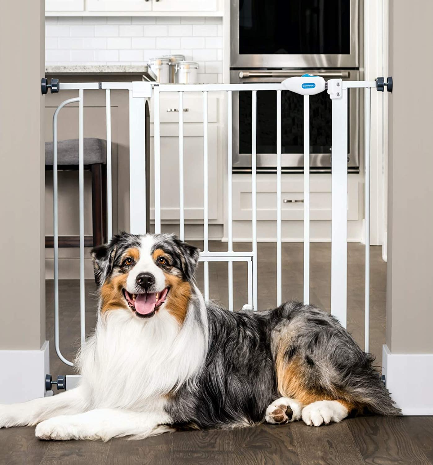 Carlson Pet Products Carlson 0930PW ExtraWide WalkThru Gate with Pet Door