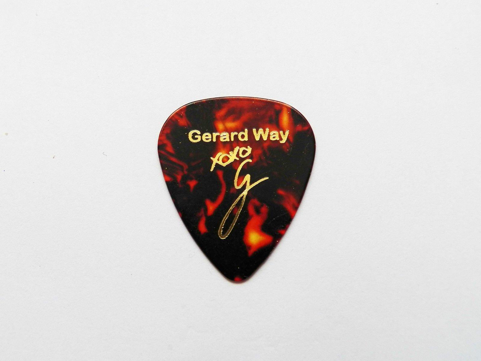 Gerard Way My Chemical Romance MCR Firma estampada púa Guitarra Pick mediano (caparazón de tortuga): Amazon.es: Instrumentos musicales