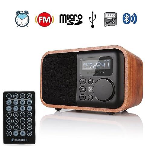Altavoz digital InstaBox i90 de múltiples funciones con acabados de madera con Bluetooth, Radio reloj FM y reproductor de MP3, tarjeta Micro SD / TF y entradas USB con su control remoto, color marrón