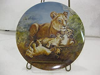 Edwin M. Knowles Fine China-Signs Of Love Collection-Plate 2 A Watchful Eye by Wildlife Painter Yin-Rei Hicks.8.5