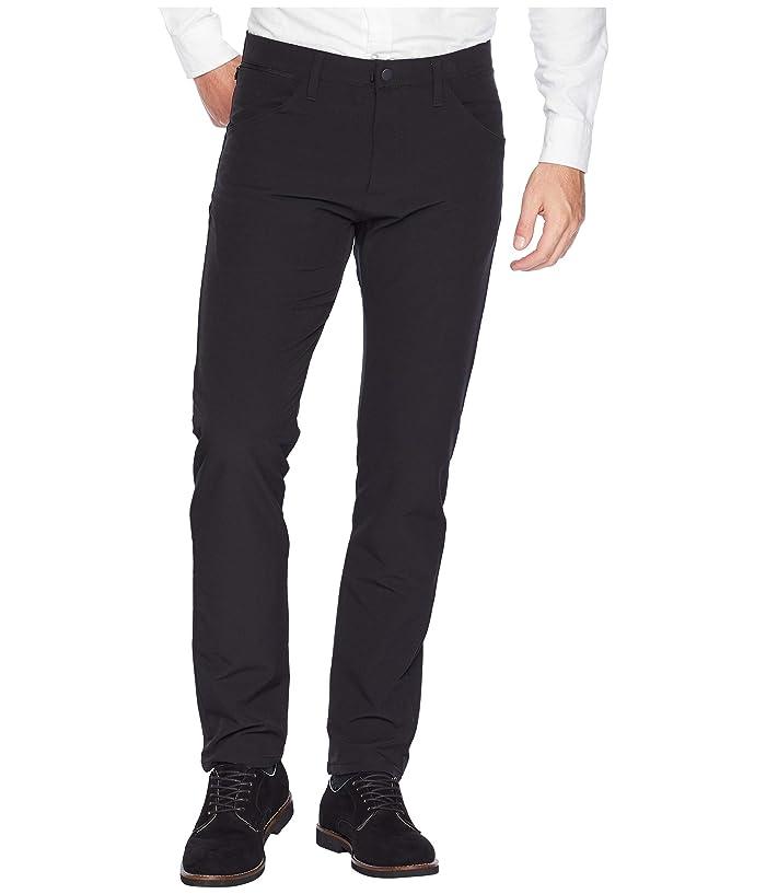 afcec55b801766 Dockers Slim Tapered Smart 360 Tech Khaki Pants at Zappos.com