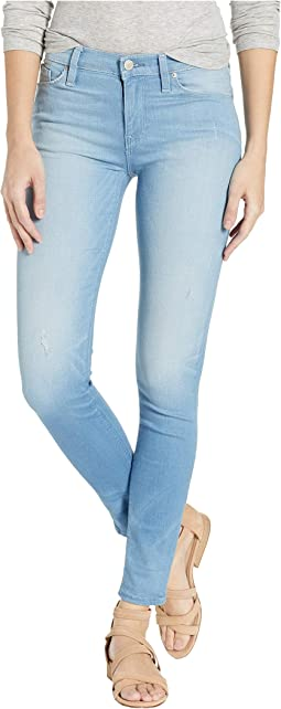 Nico Mid-Rise Super Skinny in Worn Dream Away