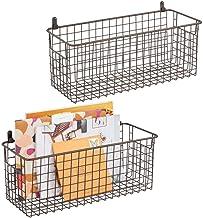 mDesign Zestaw 2 wiszących koszyków do przechowywania – średni rozmiar montowany na ścianie metalowy kosz druciany – uniwe...