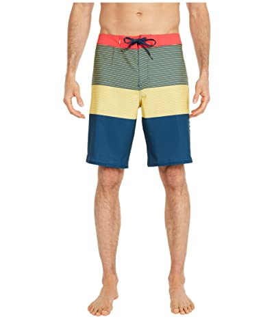 Quiksilver Highline Massive 20 Boardshorts (Misted Yellow) Men