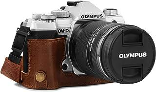 MegaGear Estuche Ever Ready Media Funda Estuche de Base Funda de Pronto Uso de Cuero auténtico con Correa Compatible con Olympus OM-D E-M5 Mark III