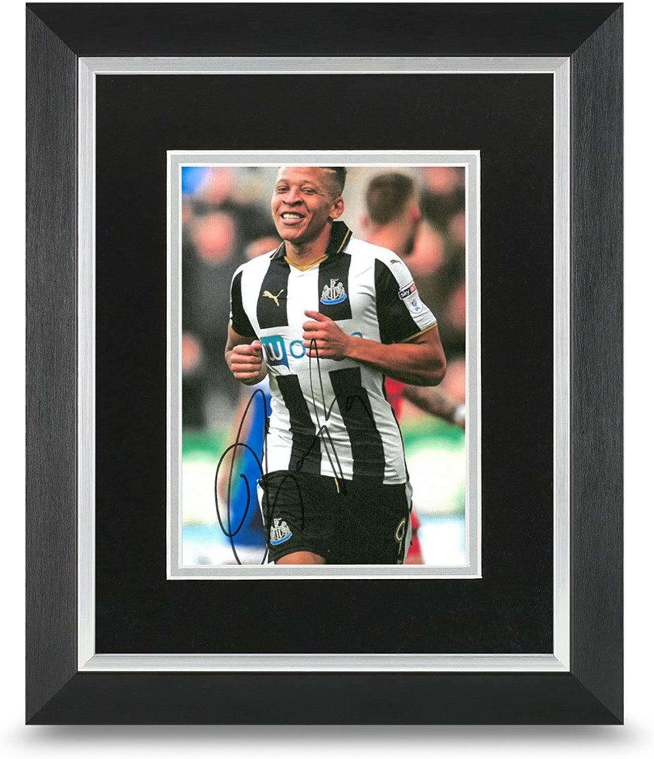 Dwight Gayle Signed 10x8 Photo Display Framed Newcastle Autograph Memorabillia