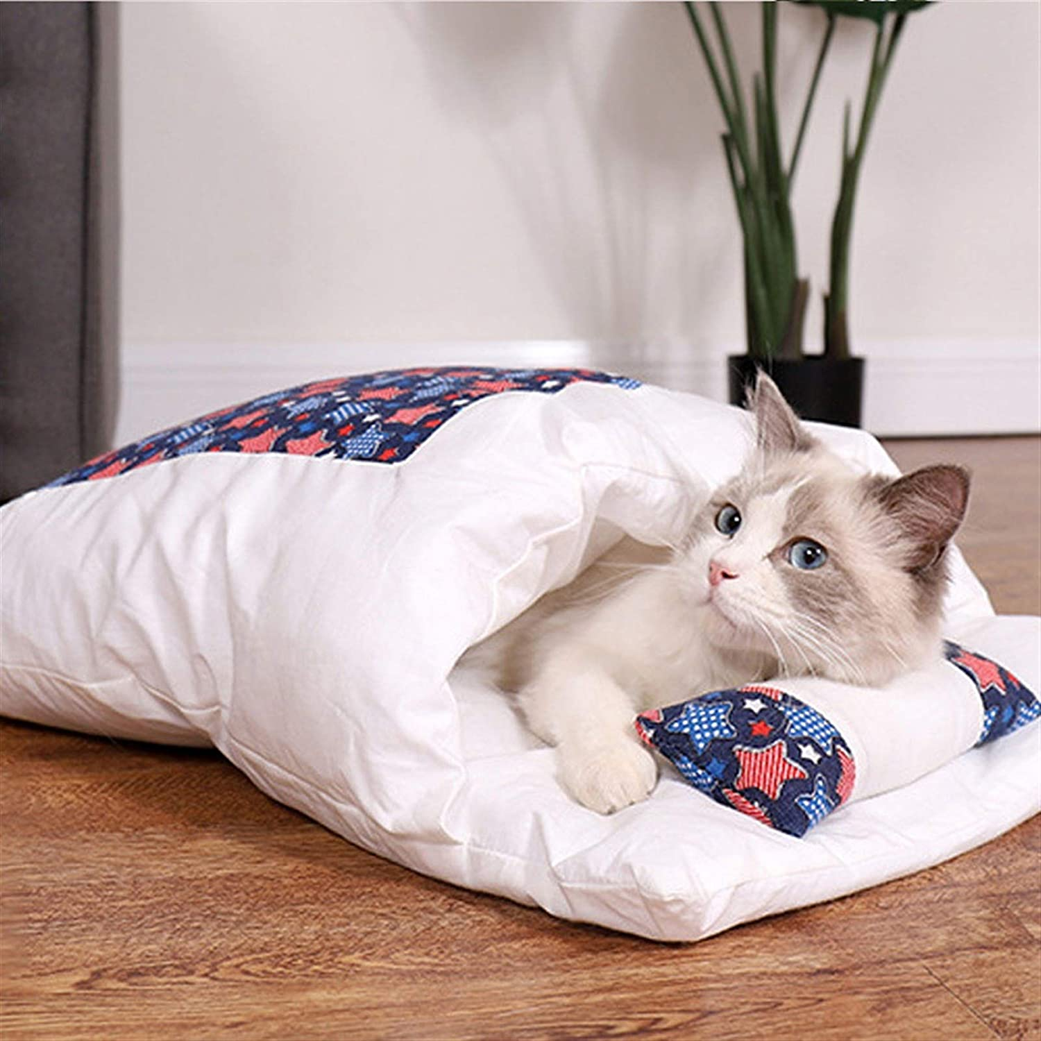 Pet Limited time sale Bed Cat Small Dog Nest Bag Winter Warm Sleeping Challenge the lowest price of Japan Keep