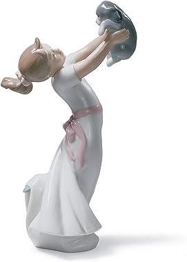 LLADRÓ The Best of Friends Girl Figurine. Porcelain Girl Figure.