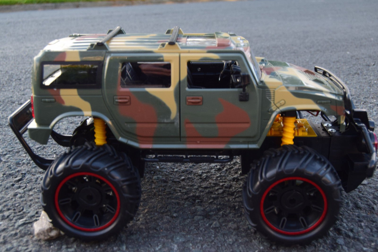 British Army Military Hummer Large Rechargeable Radio Remote Control Car 1//14