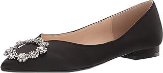 حذاء باليه مسطح من Betsey Johnson للنساء، ساتان أسود، 6 M US