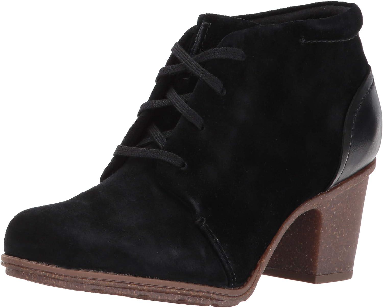 Clarks Women's Sashlin Sue Fashion Boots