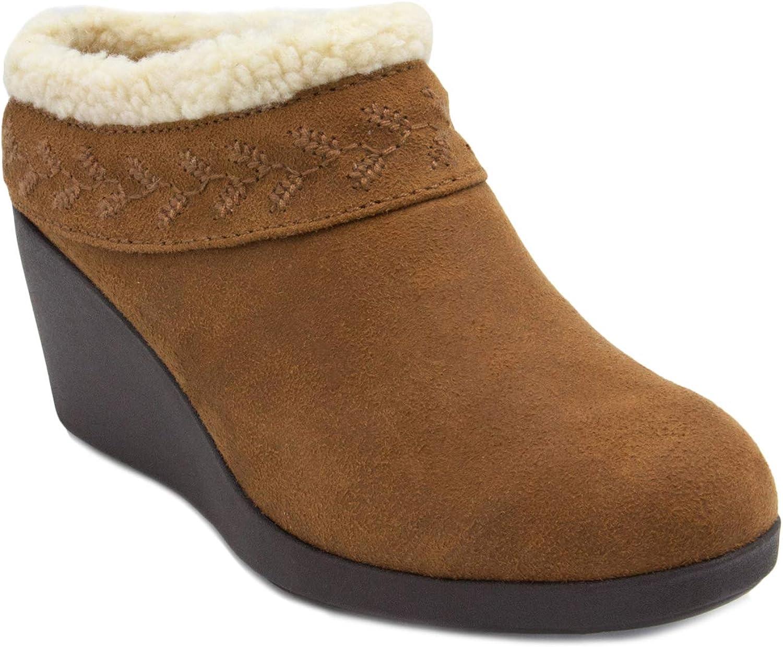 Gloria Vanderbilt Women's GV Essie Micro Suede Wedge Clog shoes with Fleece Collar and Fuzzy Fur Lining