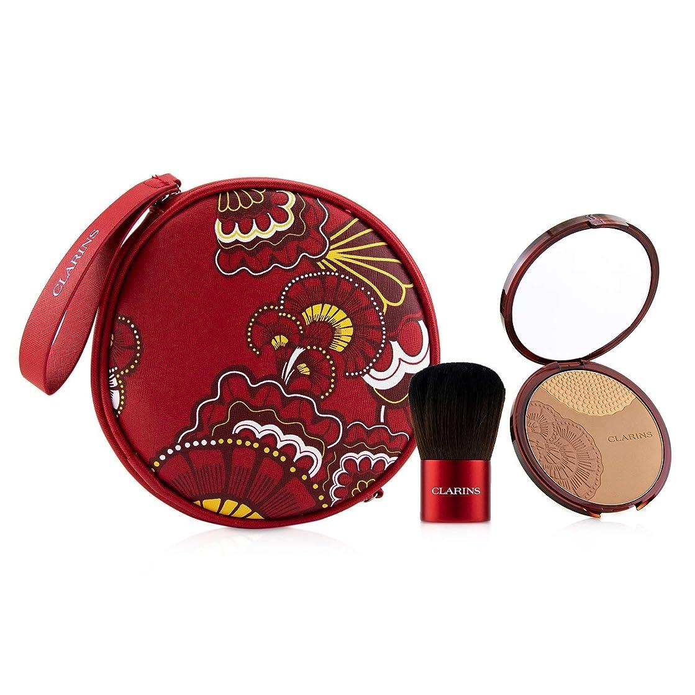 才能のある瞑想放課後クラランス Sunkissed Gift Set (1x Powder, 1x Brush, 1x Pouch) 3pcs並行輸入品