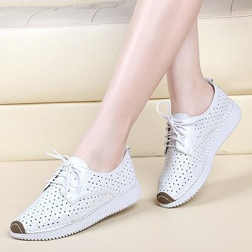 YTTY Bétail Petites Chaussures Blanches avec Chaussures pour Femmes Chaussures Plates à La Mode Chaussures Creuses Lacées Décontractées Blanc 40