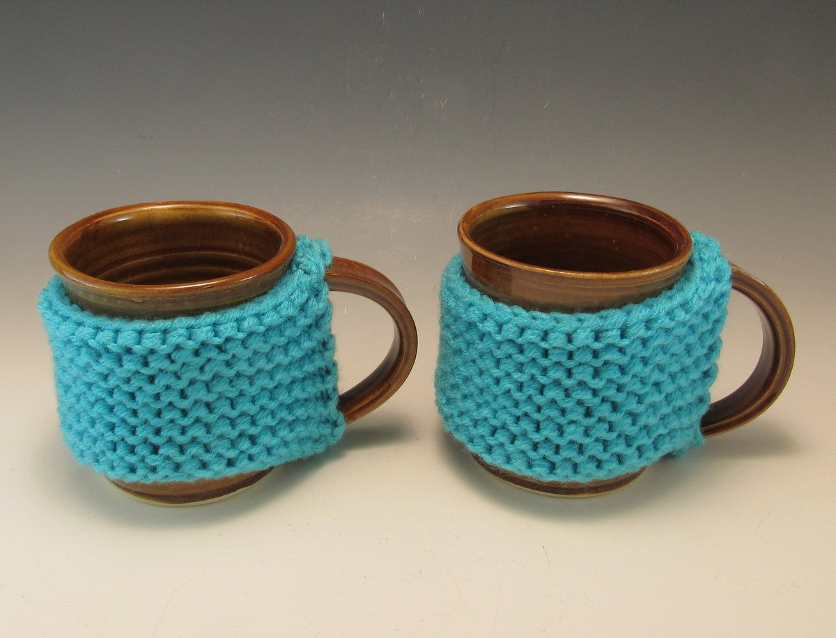 Set of 2 Hand Save Product money Made Mugs Pottery Cozy Yarn with