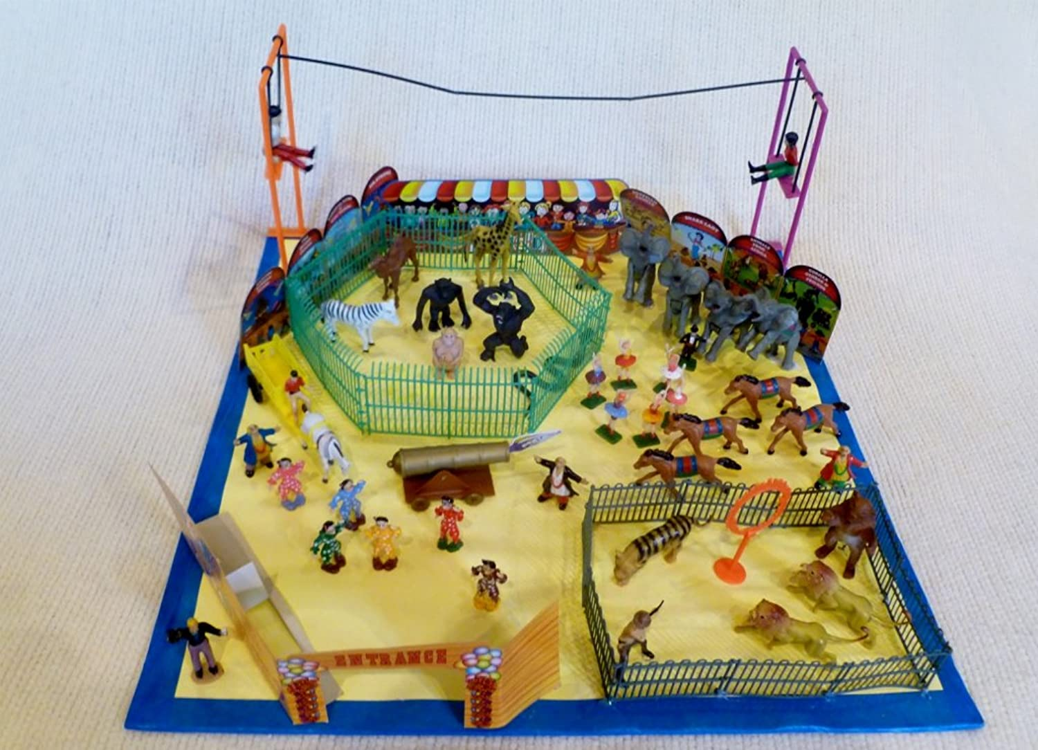 Awesome Kids  Awesome Circus Playset and Carry Case
