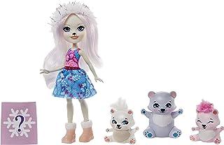 Enchantimals GJX47 - Enchantimals familie speelgoedset, Pristina IJsbeer poppetje (15 cm) met 3 dierenfiguurtjes