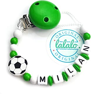 LALALO LALALO Schnullerkette Fußball mit Namen, Junge, Baby Fussball Motiv aus Holz, Handmade Individuelle Jungs Namenskette zur Geburt, Geburtstag, Weihnachten, Taufe Grün/Weiß