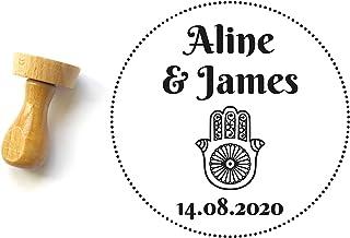 Timbro matrimonio personalizzato stile orientale con mano fatma, forma rotonda 4 cm, con nomi e data