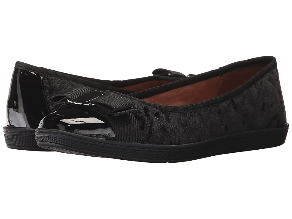 eb48c7f1d8d6 Soft Style Faeth (Black Velvet) Women s Flat Shoes