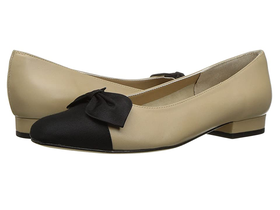 Vaneli Favor (Pudding Nappa/Black Grosgrain) Women