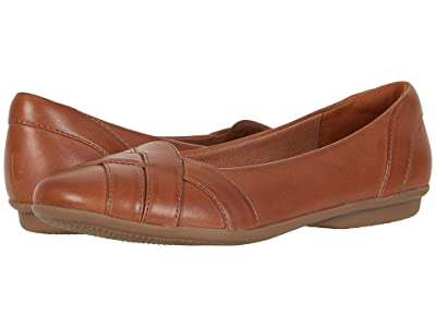 Clarks Gracelin Mia (Tan Leather) Women