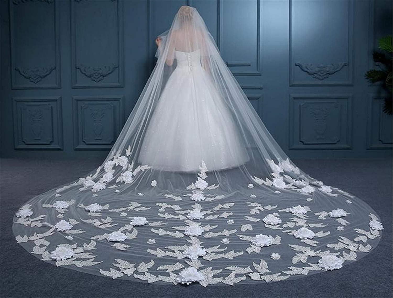 Fenghauvip 2 Tier 3D Flowers Cathedral Veils Appliques Veils for Brides with Comb