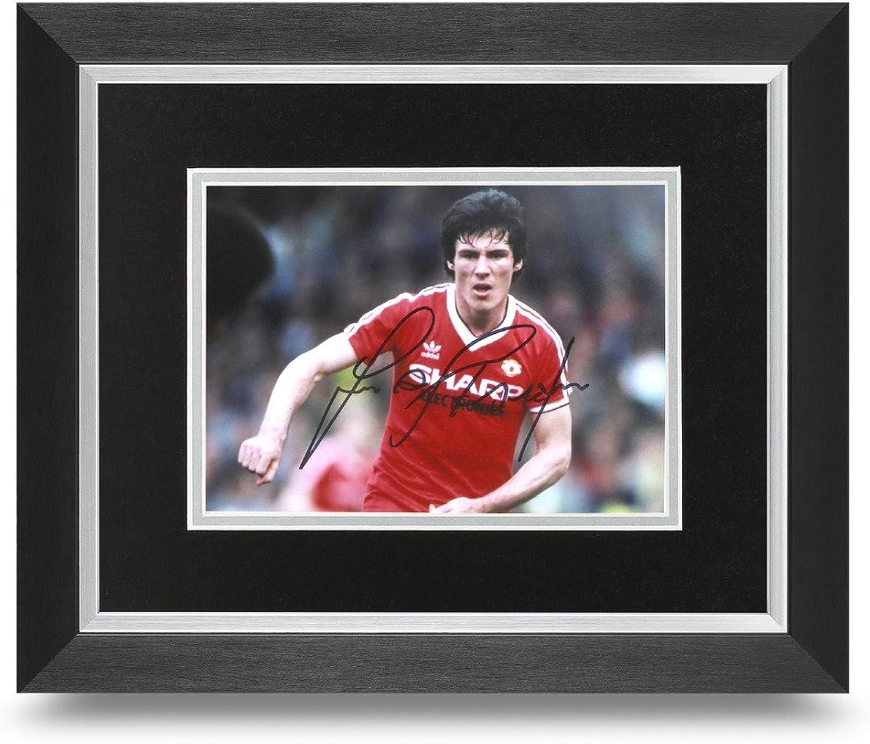 Frank Stapleton Signed 10x8 Photo Display Framed Man Utd Memorabilia Autograph