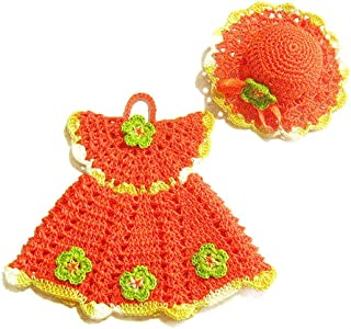 Agarradera naranja en forma de vestido con sombrero de ganchillo - Tamaño: 16.5 cm x 14.5 cm H - Sombrero: ø 10 cm - Handm...